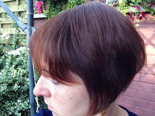 Aurélie Lardinois après le traitement Géomer avec de nouveaux cheveux